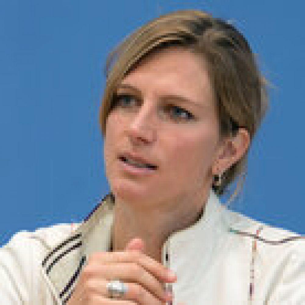 """taz-Interview mit Maja Göpel """"Wir wird wichtiger wie Ego"""" (1.11.2020)"""